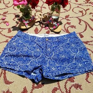 OLD NAVY BLUE & WHITE GEOMETRIC PRINT SHORTS  SIZE